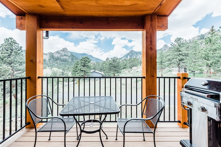 Amazing Rocky Mountain Views from this New Mountain Modern Luxury Resort Town Home! (#306)