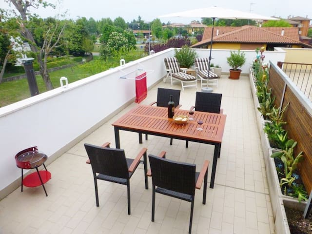 Grosse Dachterrasse in Seenähe! - Sirmione - Apartment