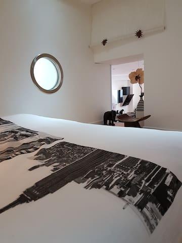 1ère Chambre en mezzanine pour 2 personnes - Lit 140 cm
