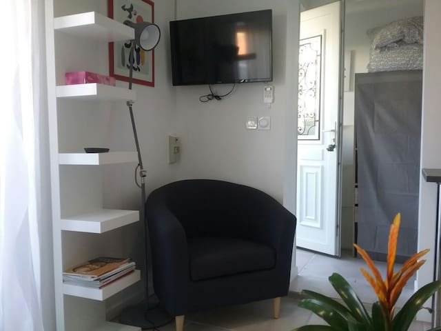 Studio neuf, Gigean , tout confort !
