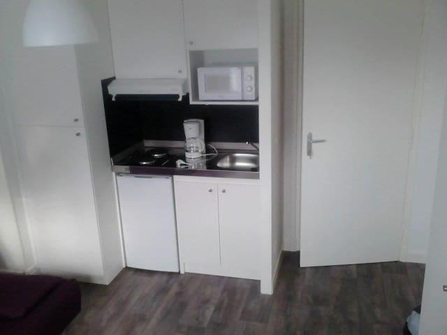 Sejour: kitchenette