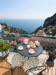 3.Beautiful Apartment with Views - Amalfi