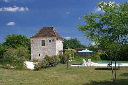 Le Pigeonnier, proche d'Issigeac et Bergerac