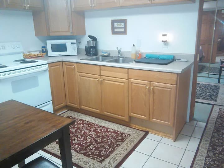 Red Rocks rental  IN THE FOOTHILLS!