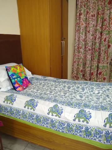 Priv8 AC Studio w/Bath Kitchen - SouthDelhi 3rdFlr