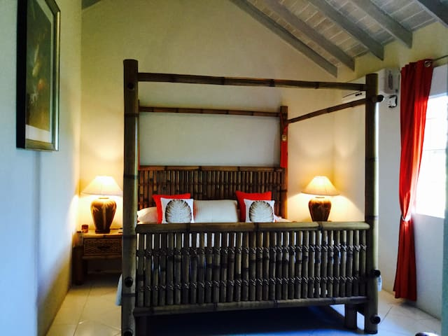 Second Bedroom with king four poster bed
