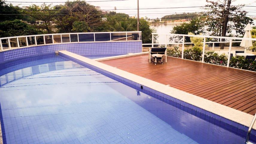 Apartamento con vistas al mar , piscina y río