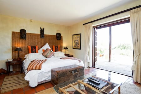 Wild Rose Country Lodge Room #1 - Cape Town - Bed & Breakfast