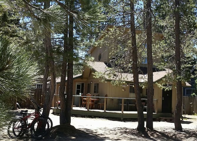 Tahoe Home: Slps 6, HotTub, Pets OK w/Fee&Approval