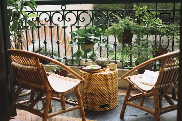 Tranquil room nearby the lake - Central Hanoi