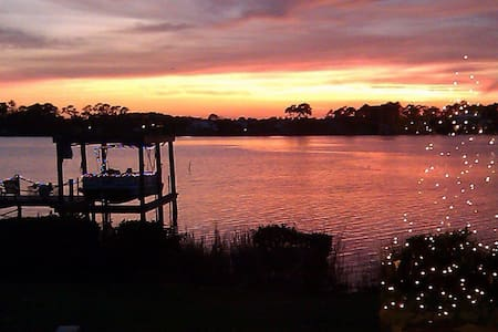 Sunset Bay House with private pool - New Smyrna Beach
