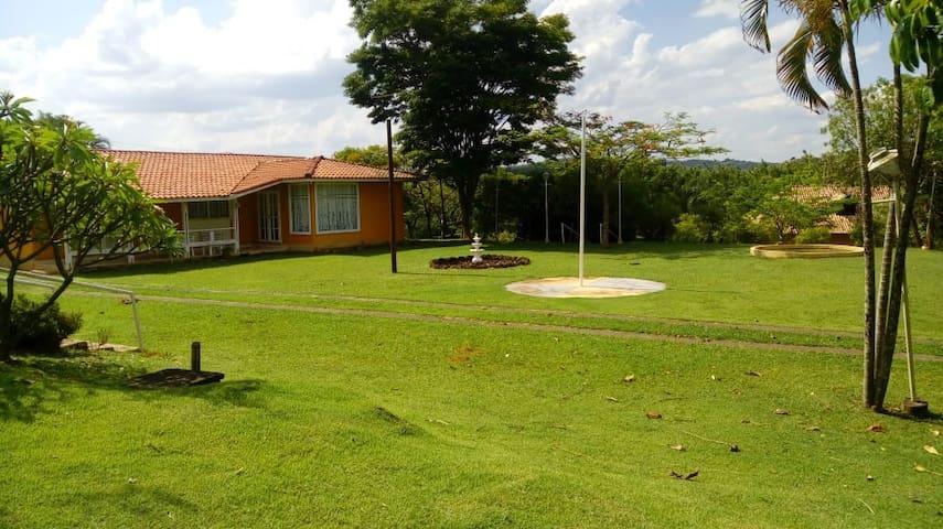 Villa Maria - Casinha Amarela