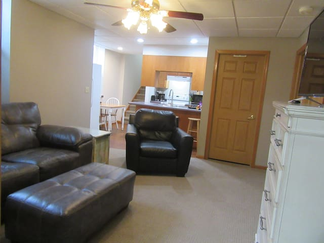 Newly Remodeled Basement Apartment