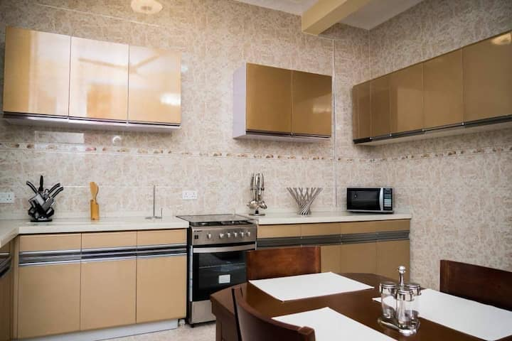 YvonneEx Apartment - 2 BEDROOM