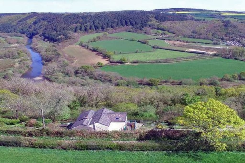 Harewood Cottage's stunning rural location