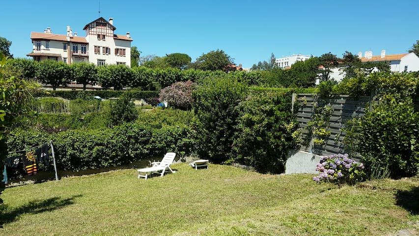 T3 avec jardin et parking fermé, calme, wi-fi,