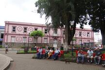 Central Park Alajuela, 4 blocks from the apartment