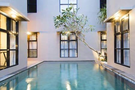 Cozy and Bright Room (Seminyak) - Badung - 公寓