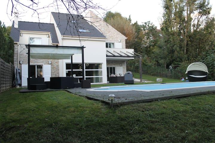 villa parisienne - Mandres-les-Roses - 別荘