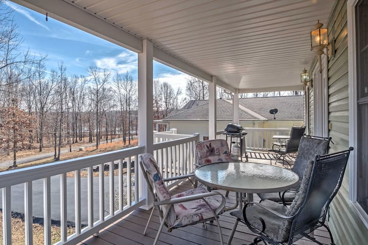 New! Centrally Located 3BR Grand Rivers Cottage!