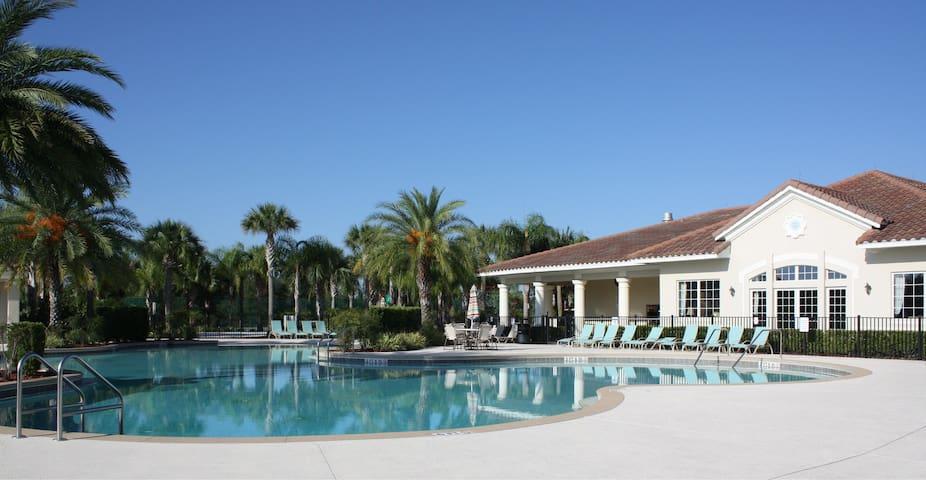 Heavenly Bliss - 3 bed 2 bath condo near Disney!