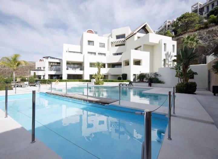 Stunning apartment on Tee 5, Los Flamingos
