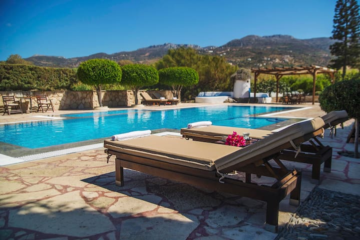 Sitia Oceanides Apartment by the pool