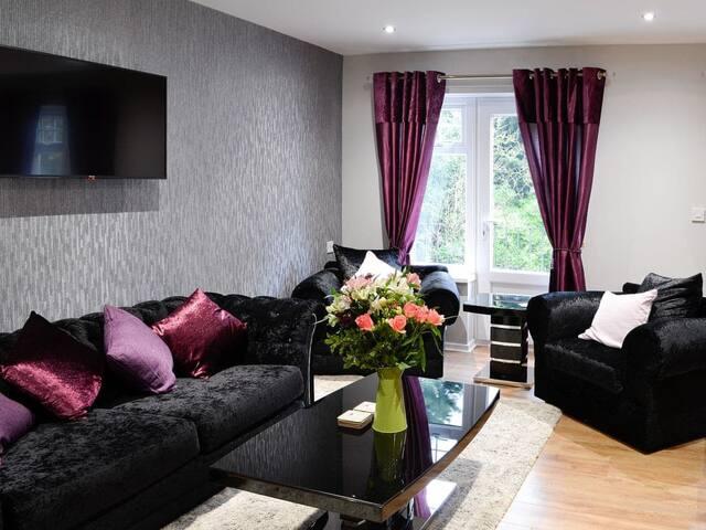 Lucan Lodge (UK30112)