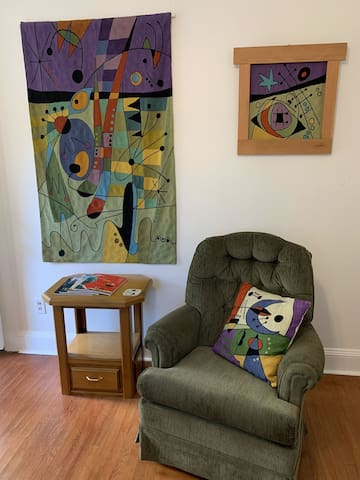 Sitting in the Miro Room at Wood Hamlet Ashland Airbnb