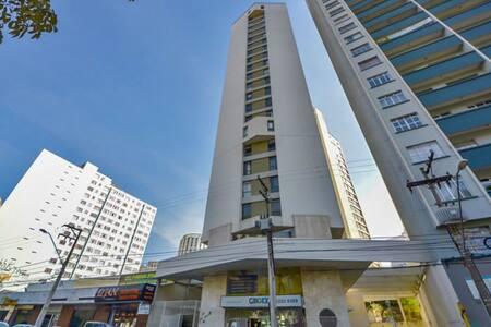 Tudo que você precisa no centro de Curitiba. - Curitiba - Apartment