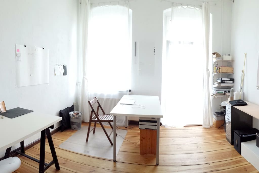 main room / sleeping & working / bright and spacious