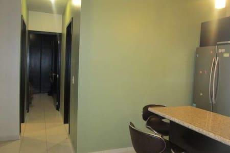Casa en privada con alberca y buen anfitrion - Mazatlán - 独立屋