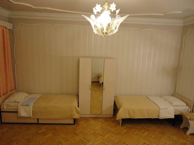 Quadruple room with four single beds - Yerevan - House