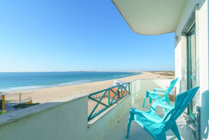 Duplex on the Beach with Ocean View - Peniche - Apartament