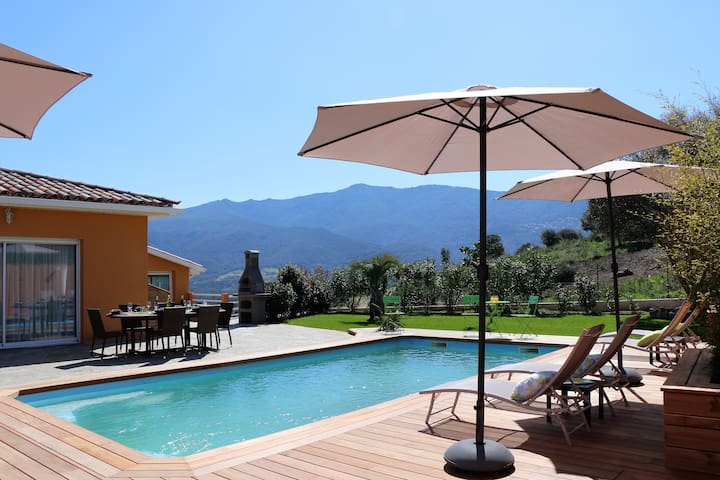 Belle location, piscine chauffée, proche plages 2