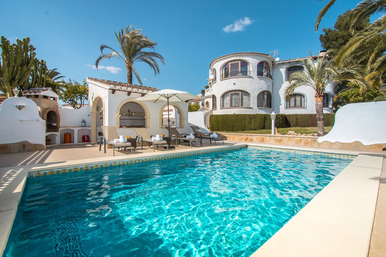 Villa Chloe 1st Floor Apartment Exclusivity of Pool & Garden