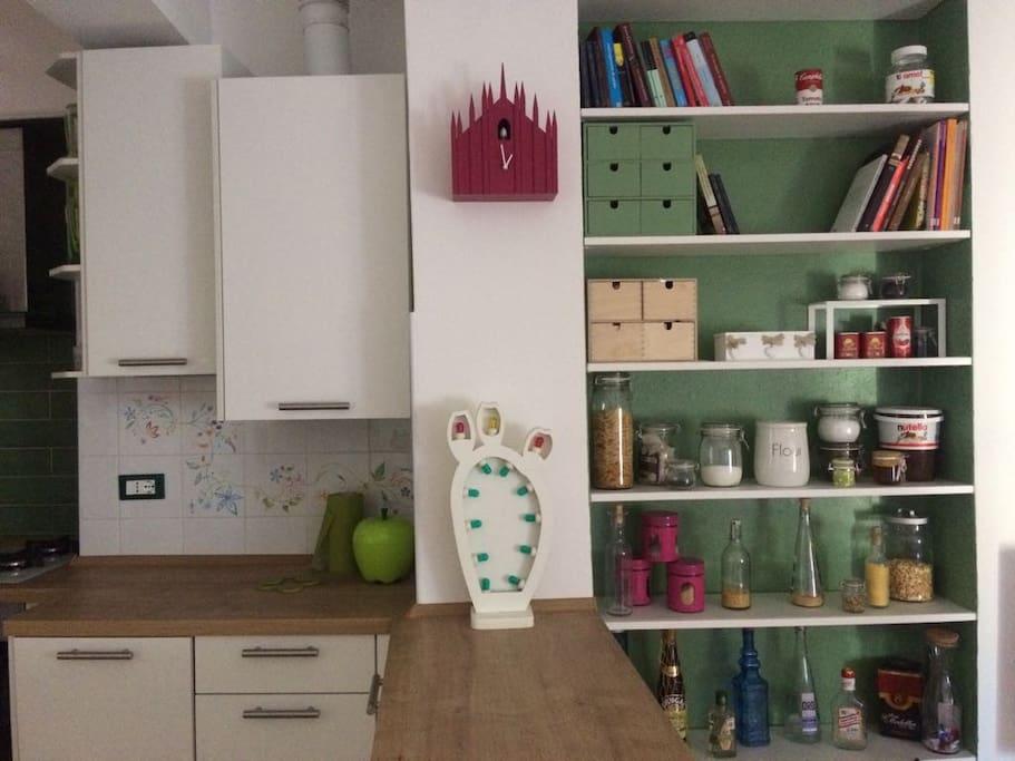 porta volta cozy flat corso como wohnungen zur miete in mailand lombardia italien. Black Bedroom Furniture Sets. Home Design Ideas