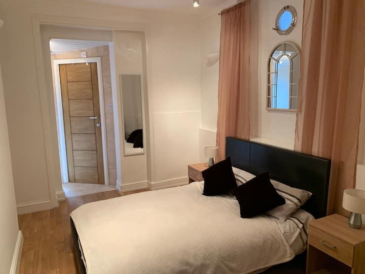 Modern Apartment in Twickenham Highstreet