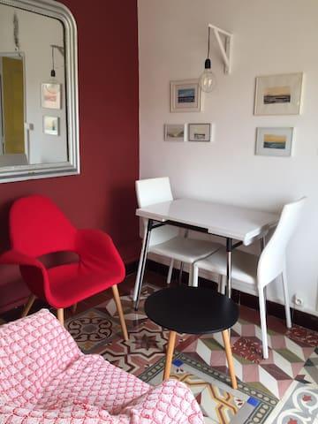 Coquet studio 1er étage