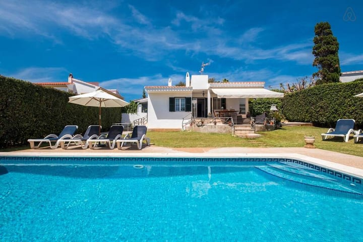 Super Offer Last minute!! VILLA JARAMA - Comfortable 5 bed villa near the beach, AC, WIFI, sea views, removable fenced pool