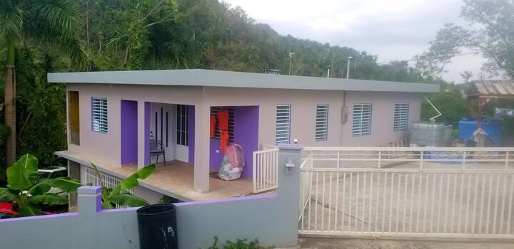 Casa fresca en Corozal. Cerca de todo y en paz