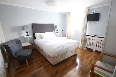 Suite in Clifden Town