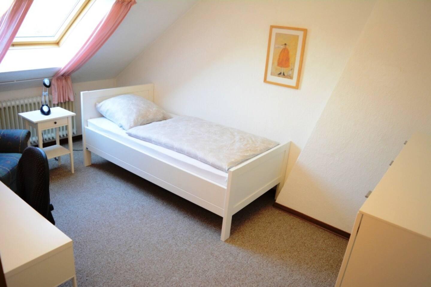 Zimmer Nr. 5 im Dachgeschoss