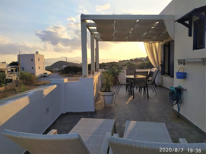 Naxos Seaside Retreat - Akti Sunny Escape