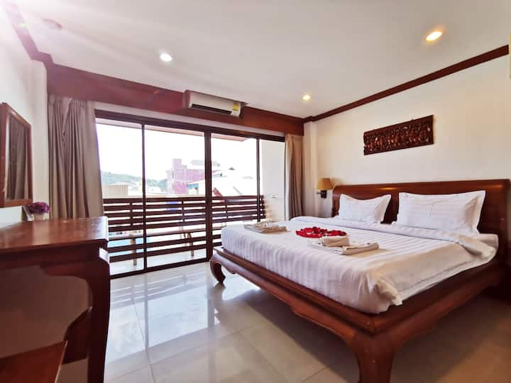 Patong Beach Mountain View Deluxe King Room