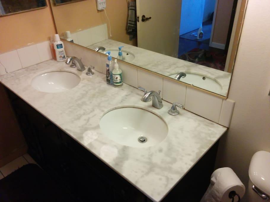 Double sinks! Wow!