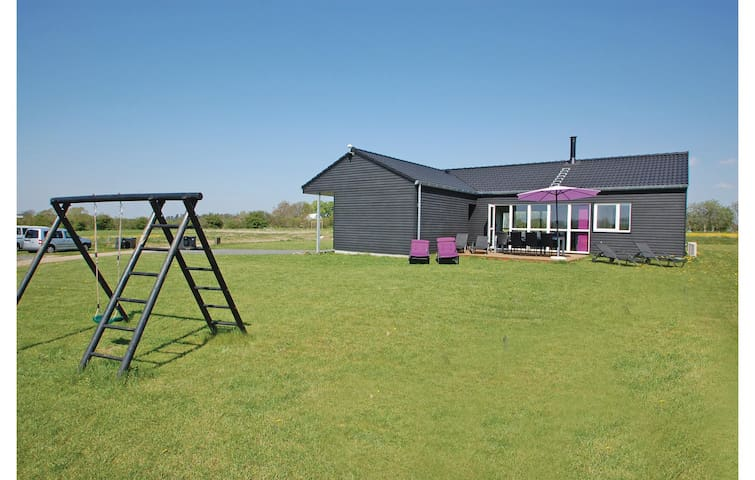 Holiday cottage with 4 bedrooms on 112m² in Haderslev