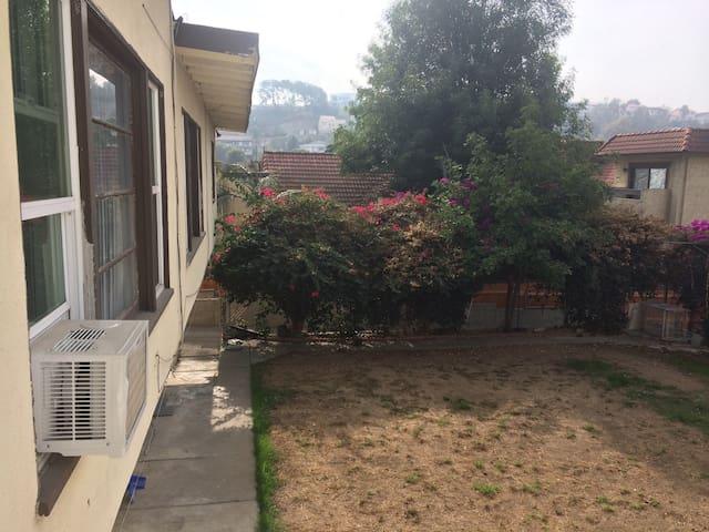 新中国城 近好莱坞 明星大道  环球影城 拎包入住 包含短程接送 - Monterey Park - Casa