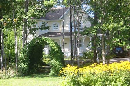 Chambre de luxe avec foyer et balcon privé - Lévis