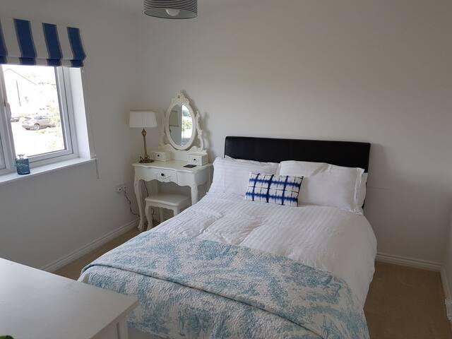 Comfy Double Room - South East Edinburgh
